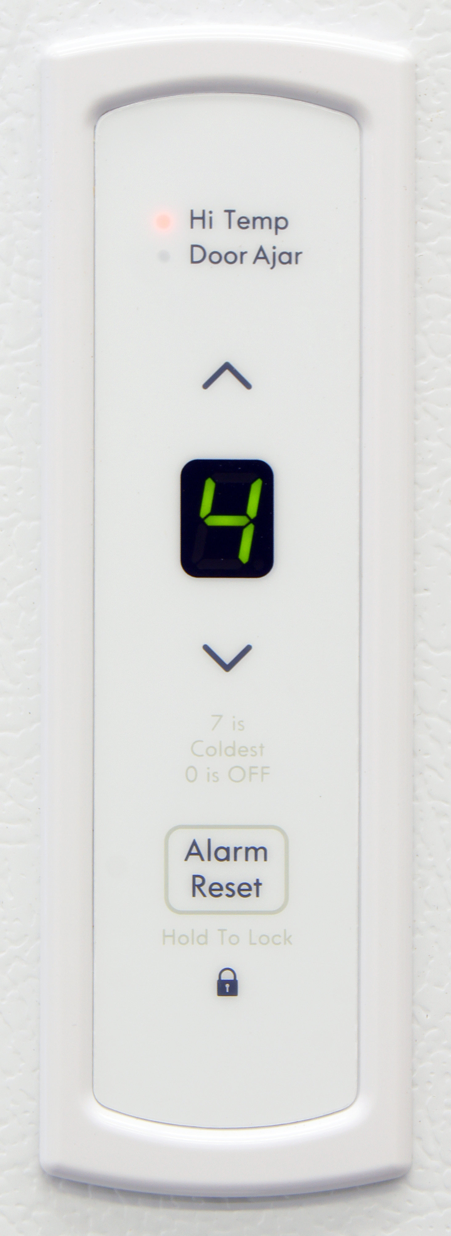 The Kenmore 28432's external controls can make calibrating the freezer much simpler despite the 0-7 scale.