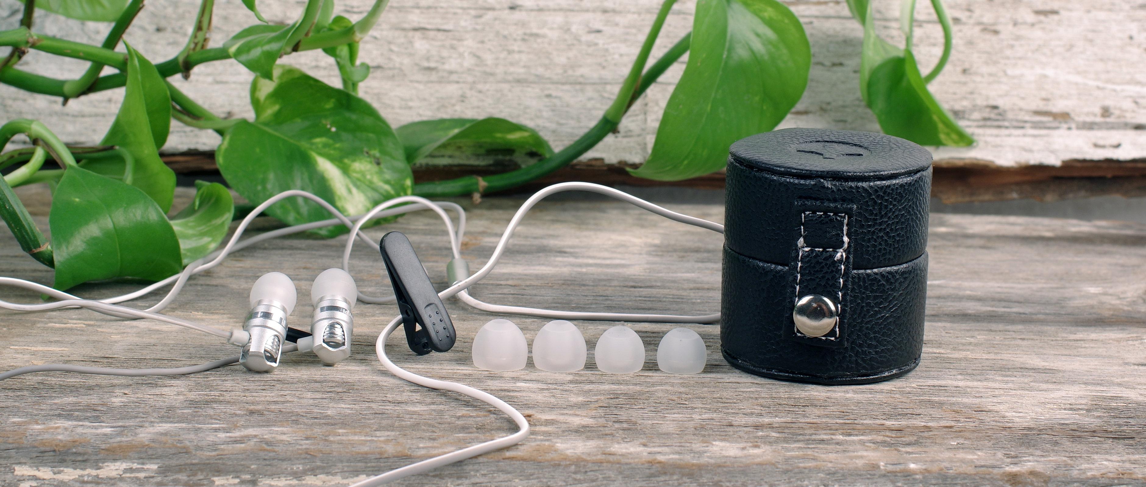 The id America Spark IDH 102 in-ear headphones