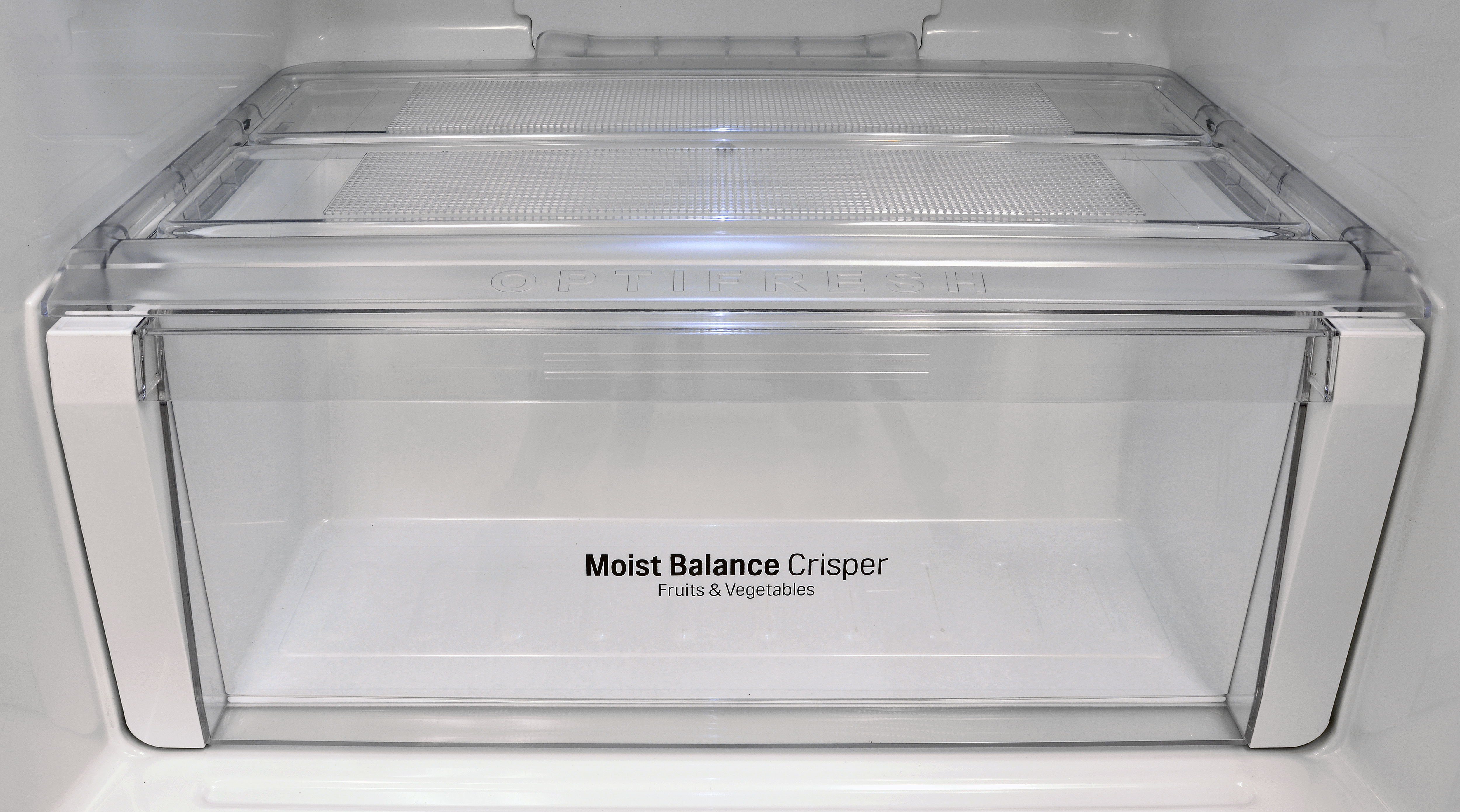 The LG LTNS16121V's lone crisper drawer is quite spacious, but not so great at retaining moisture.
