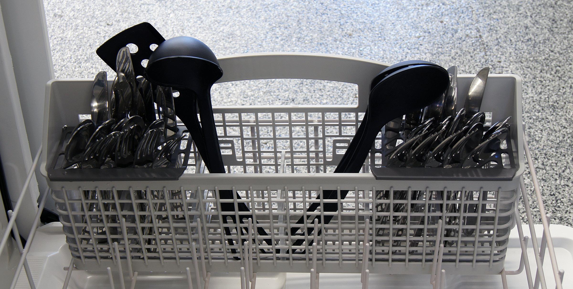 Kenmore 15113 cutlery basket capacity