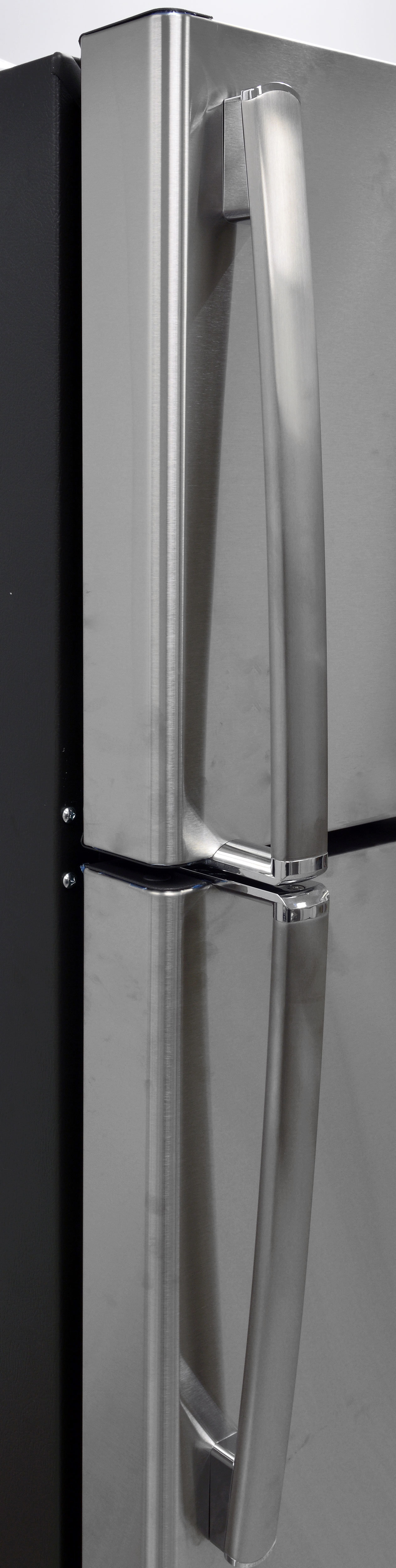 GE's stainless model—the GAS18PSJSS—has handles with silvery trim on the edges.