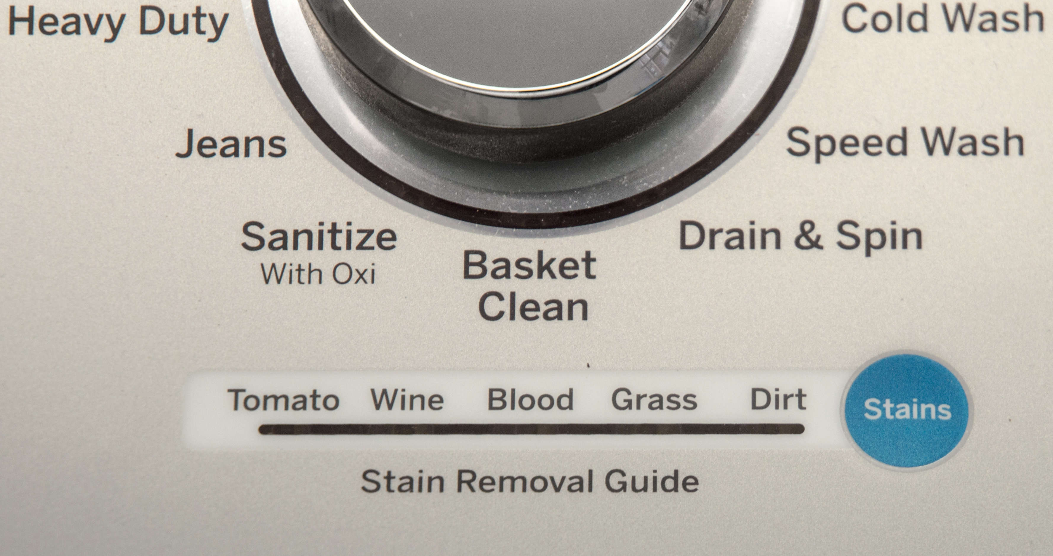 A stain guide helps automatically adjust the washer to the right settings.
