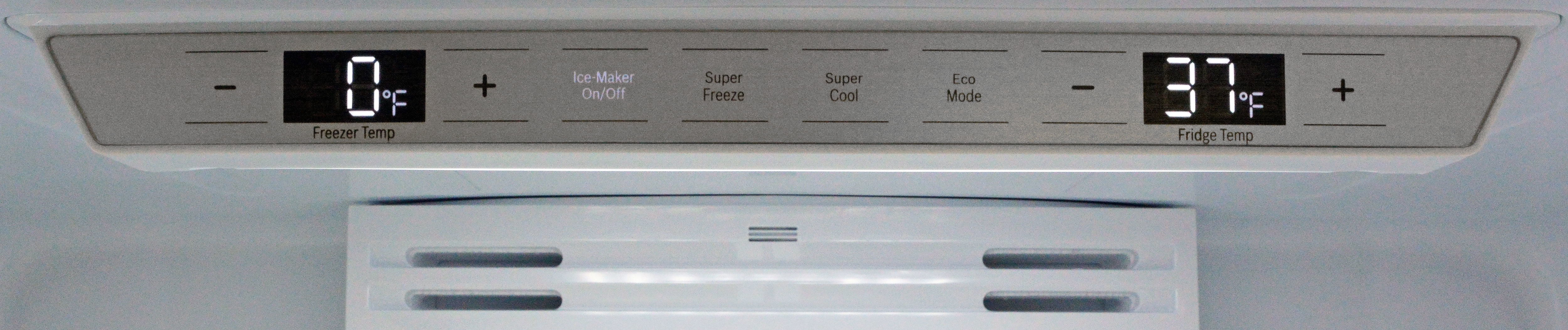 With so few features, the control panel is very straightforward. The 81SNS puts the console in the fridge; the 80SNS keeps it out on the door.