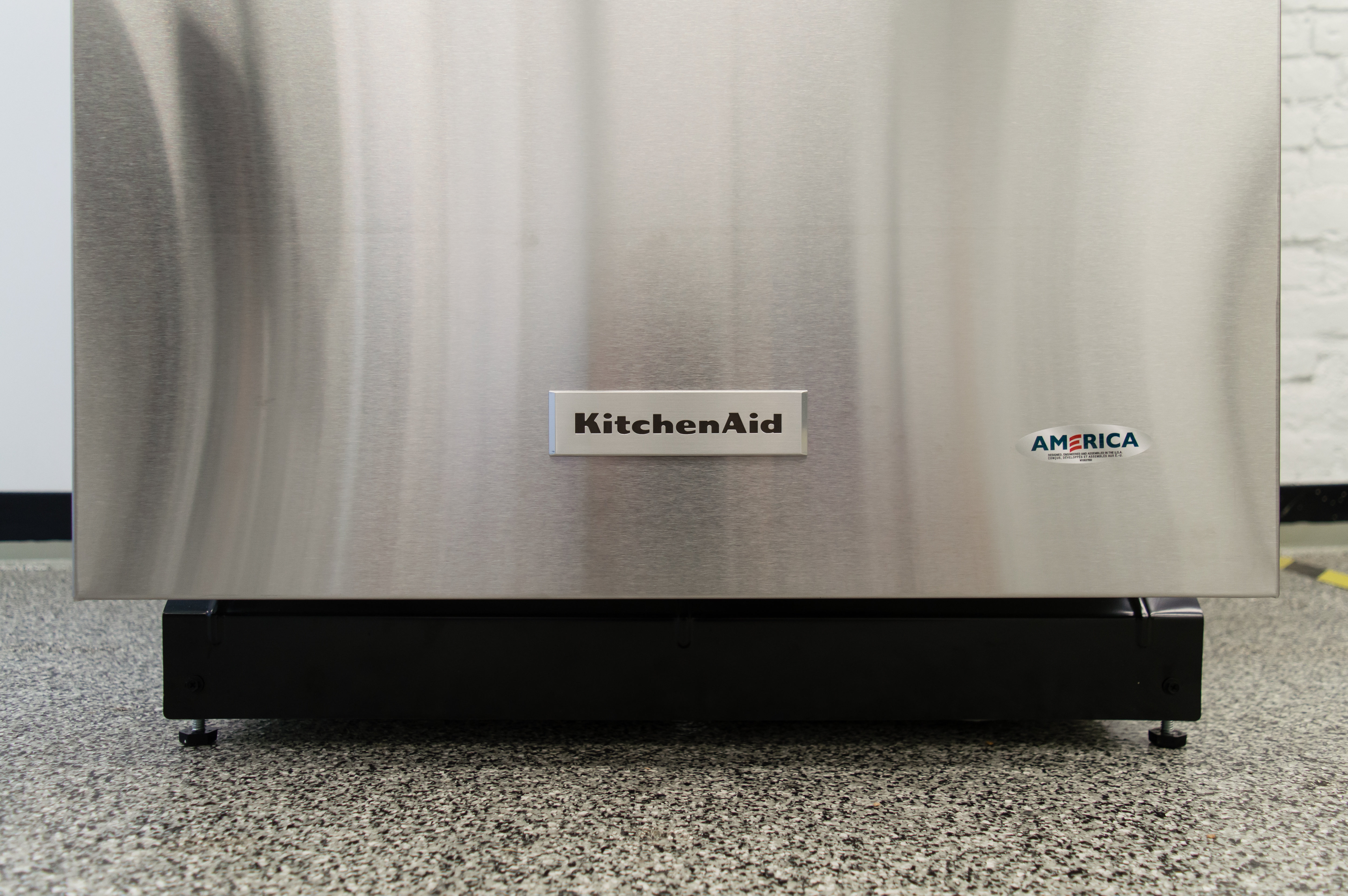 KitchenAid KDTM404ESS KitchenAid Emblem