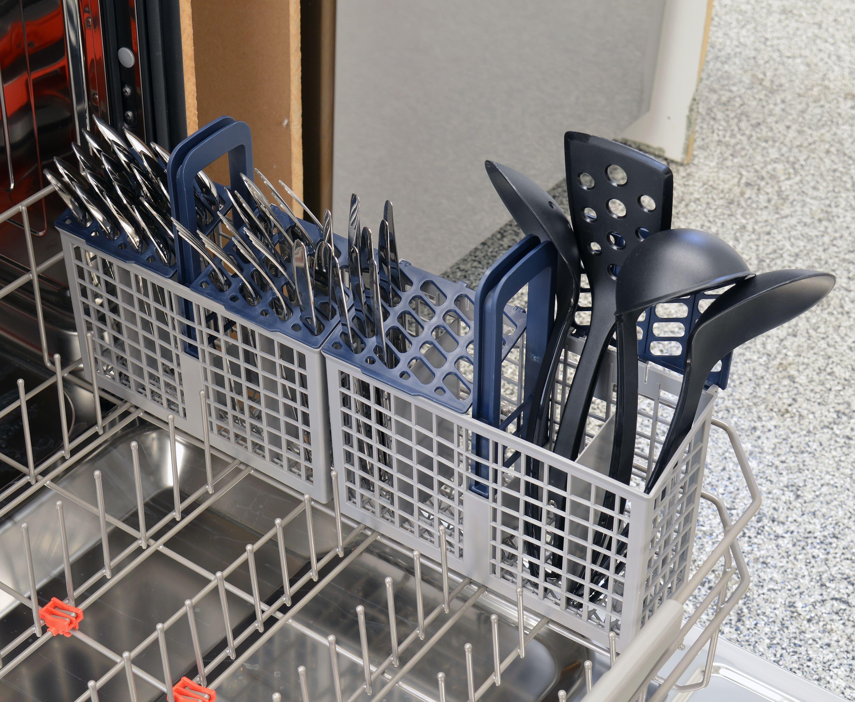 Samsung DW80J7550US cutlery basket capacity
