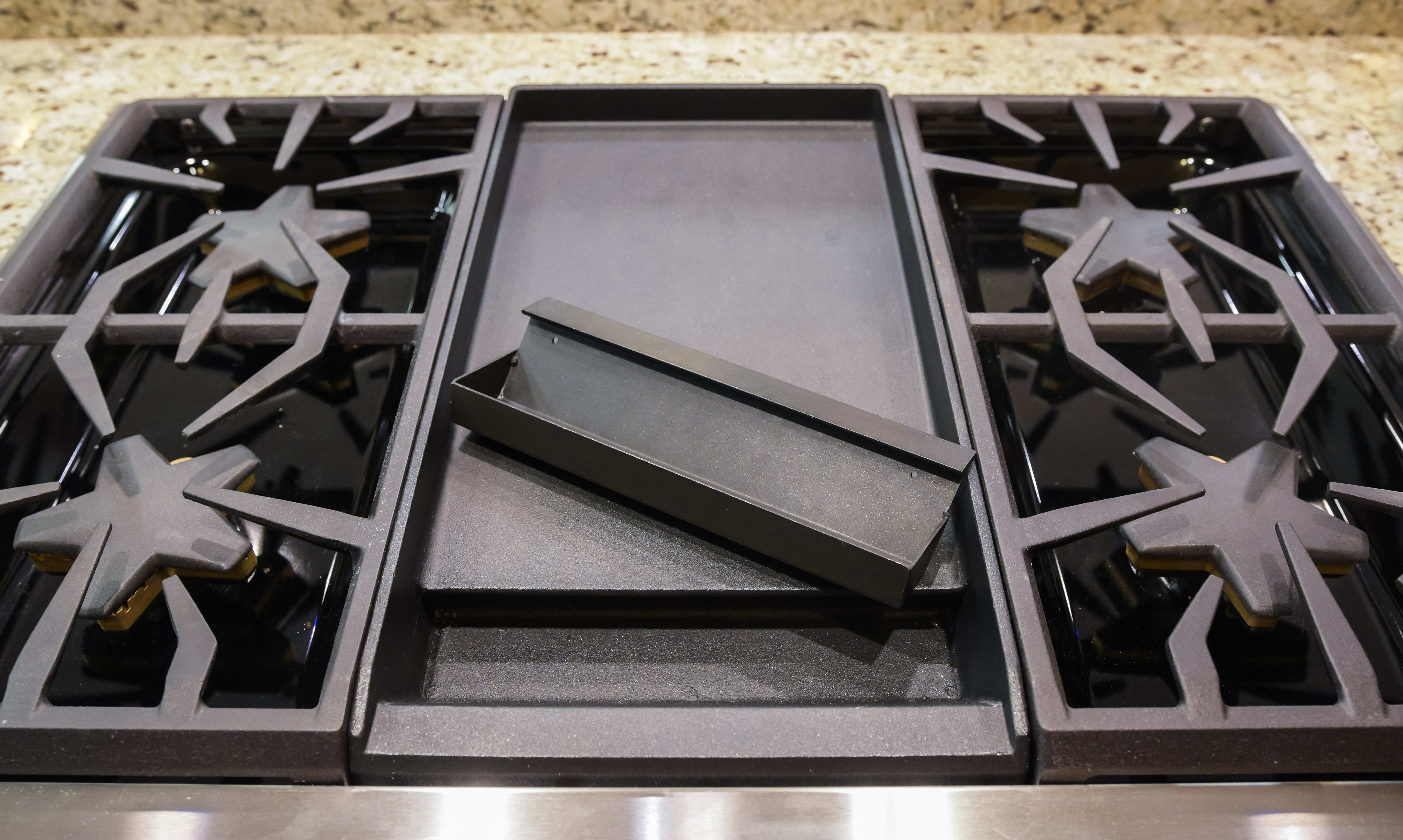 Griddle with drip tray