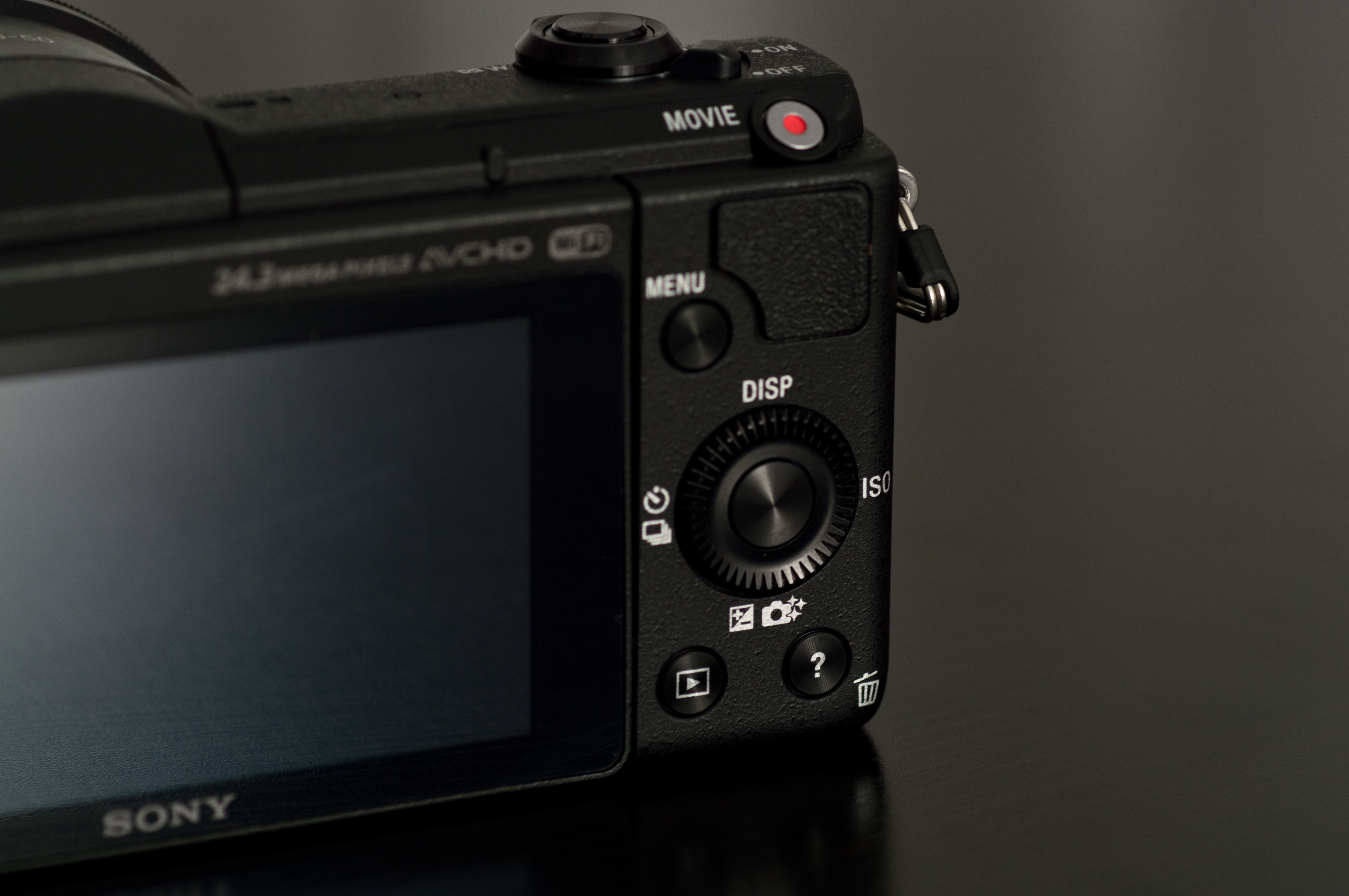Rear layout on the Sony A5100.