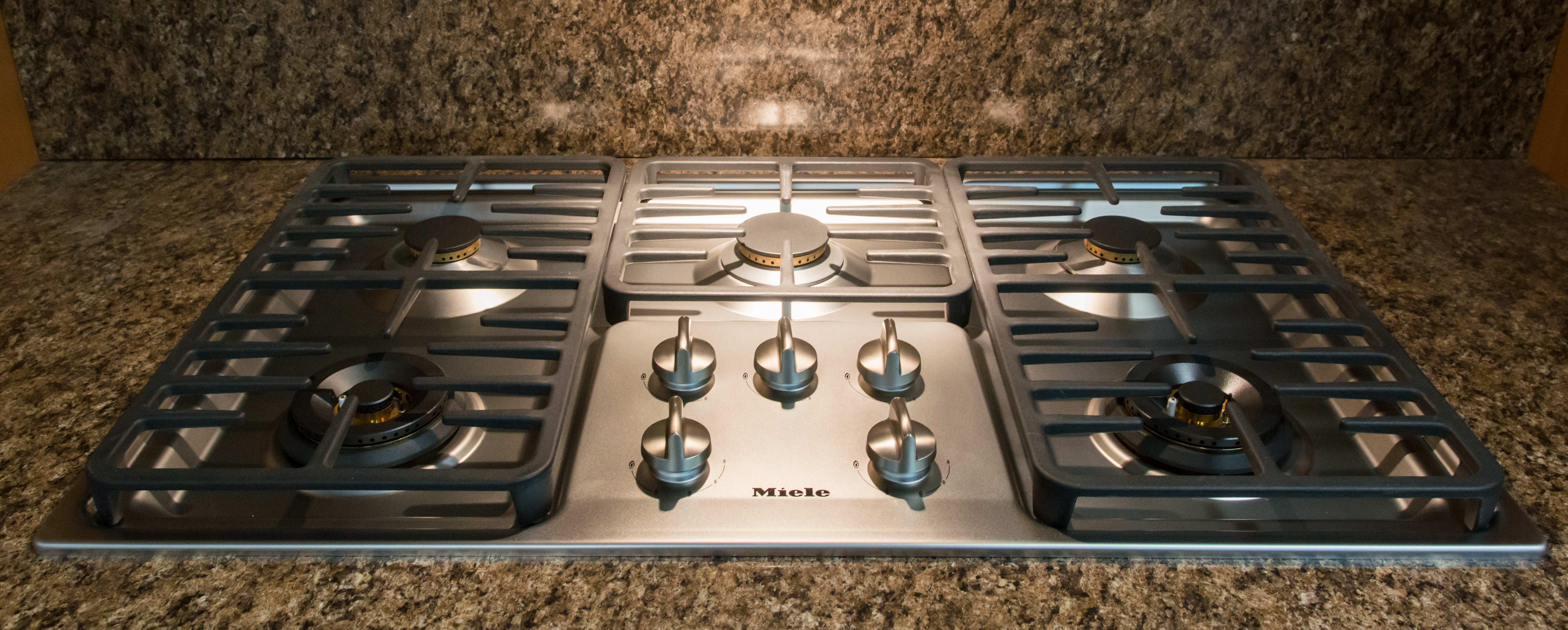 cooktop, controls, and grates