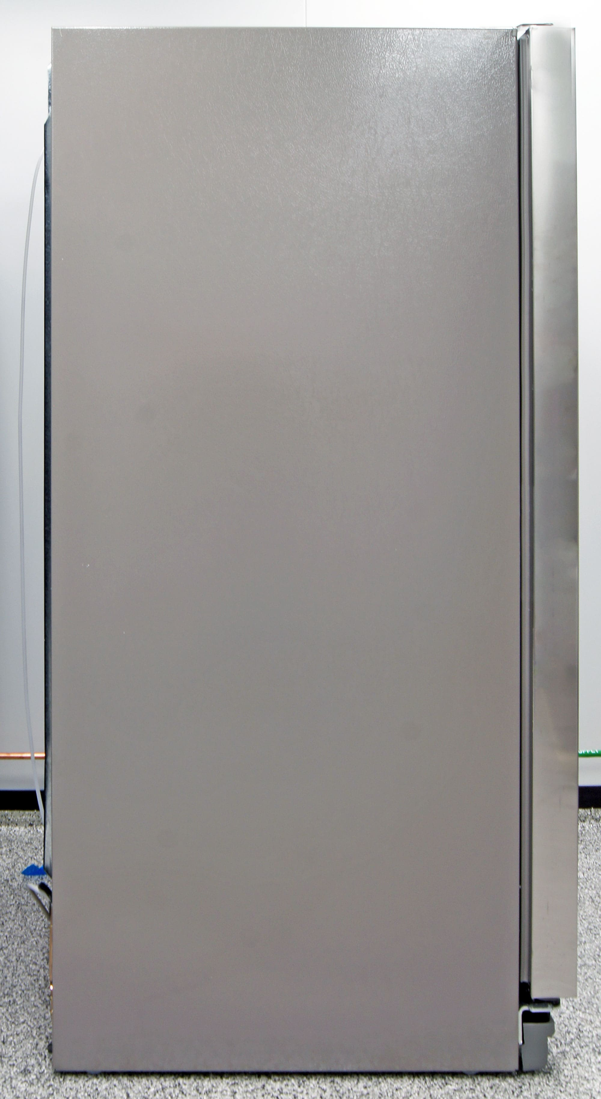 Even though the KitchenAid KSF22C4CYY is only as tall as standard top freezer, it's still a full-depth machine.