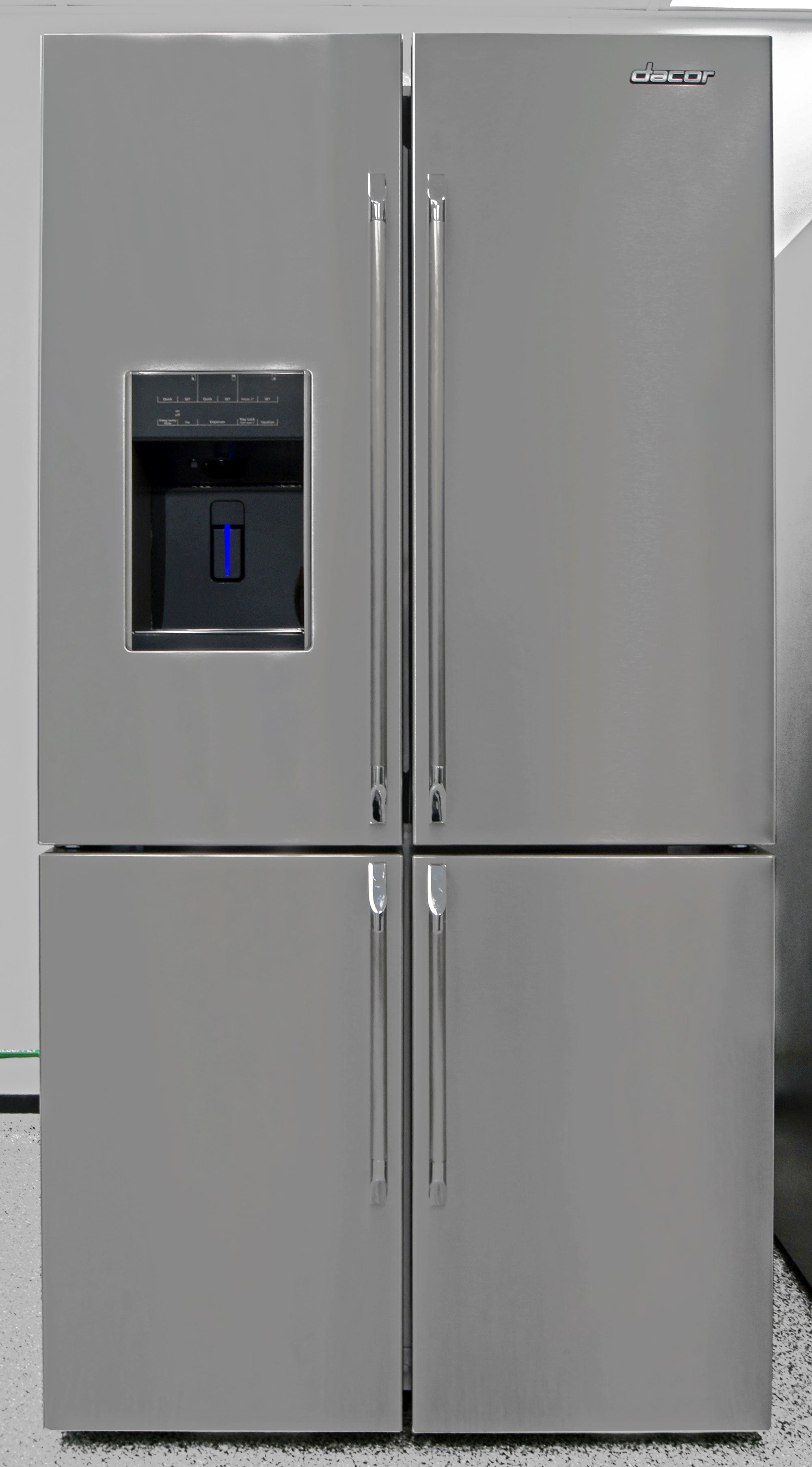 The Dacor DTF364SIWS is the latest entry into the American four-door fridge market.