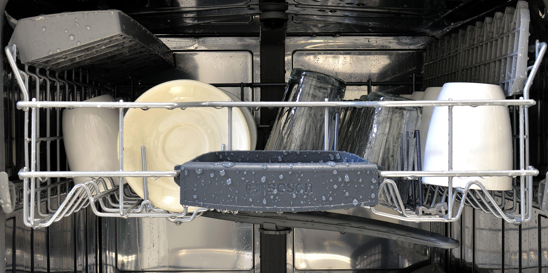 Bosch SHS5AV55UC top rack loaded and wet