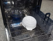 Dishwasher with colander