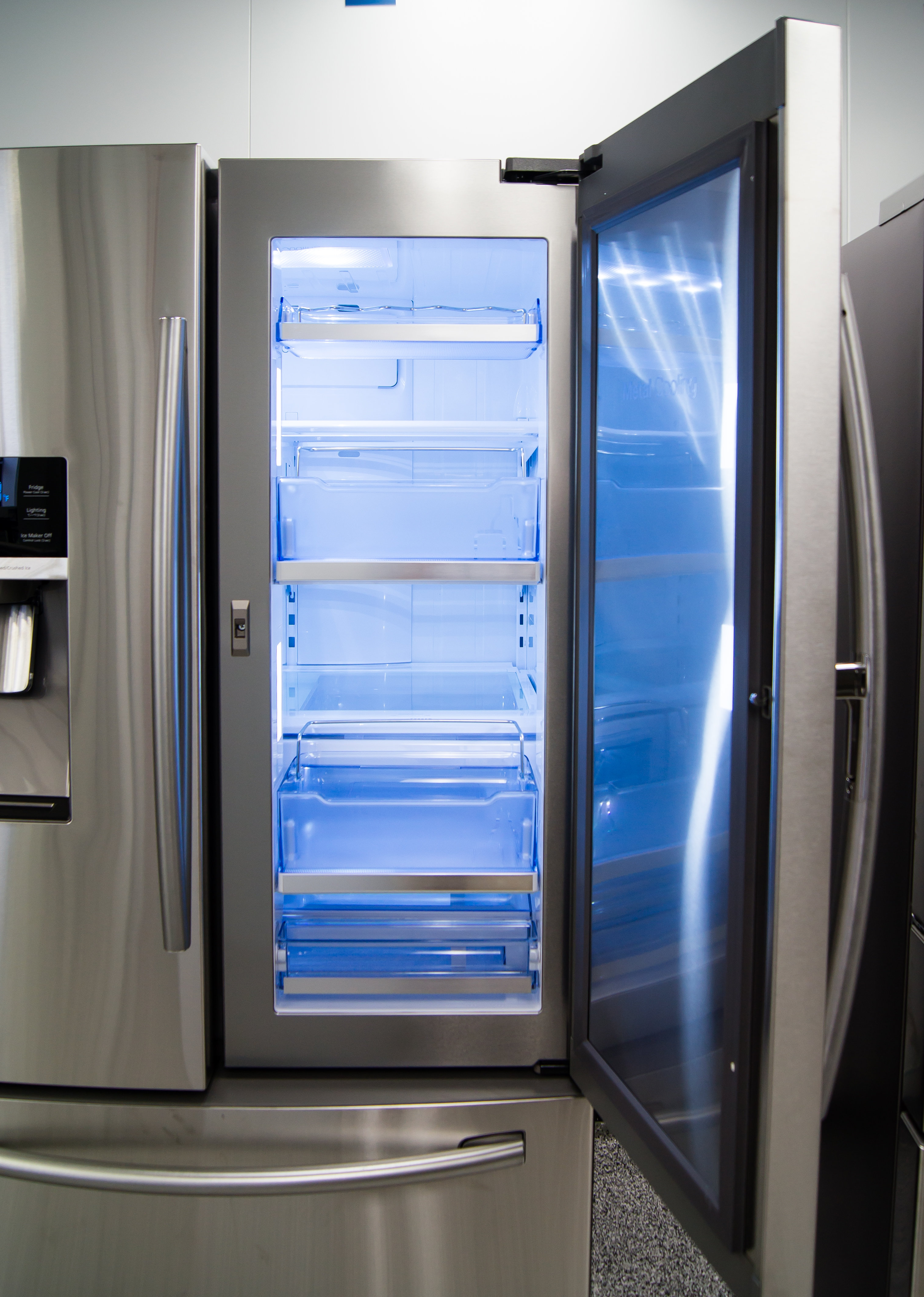 The Samsung RF28HDEDBSR's door-in-door compartment has four available shelves for storage.