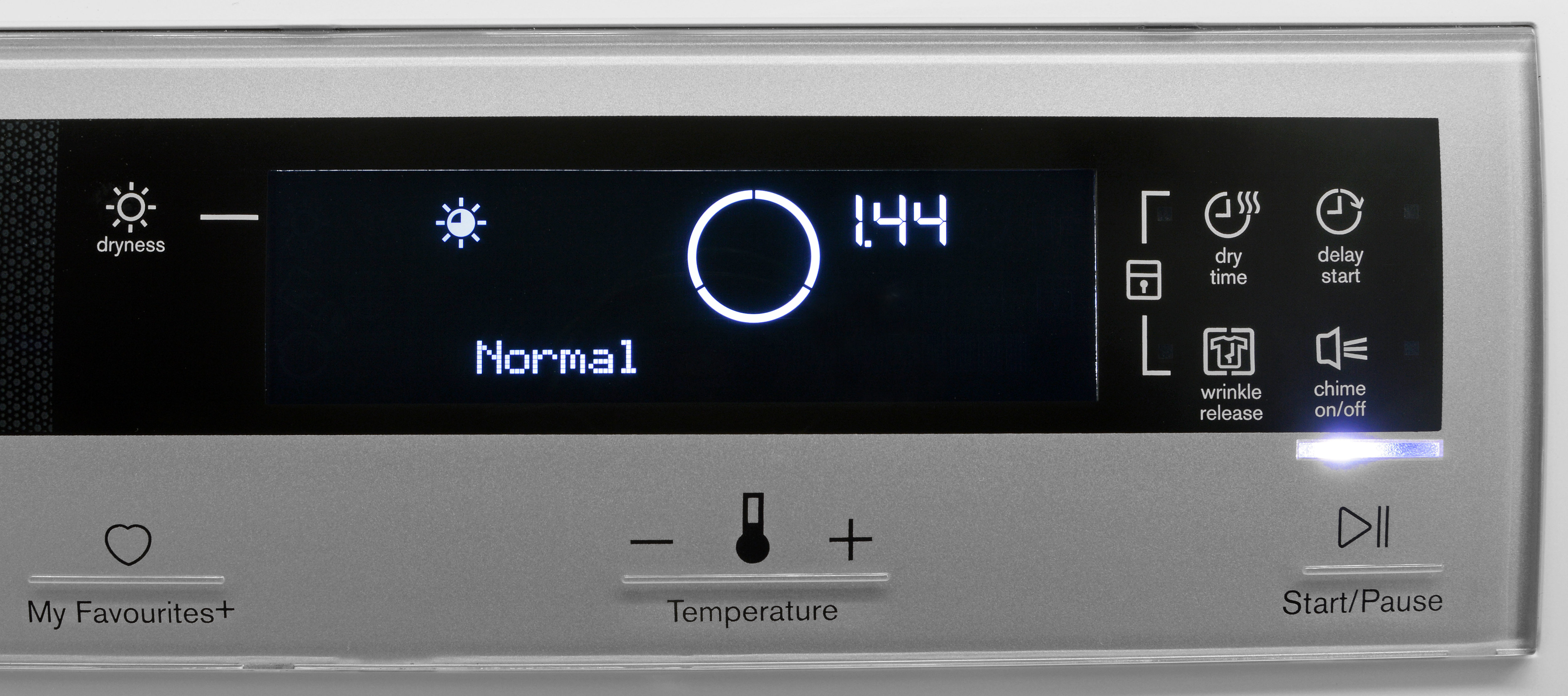 The Electrolux EIED200QSW's controls are very easy to read, but could be more responsive.
