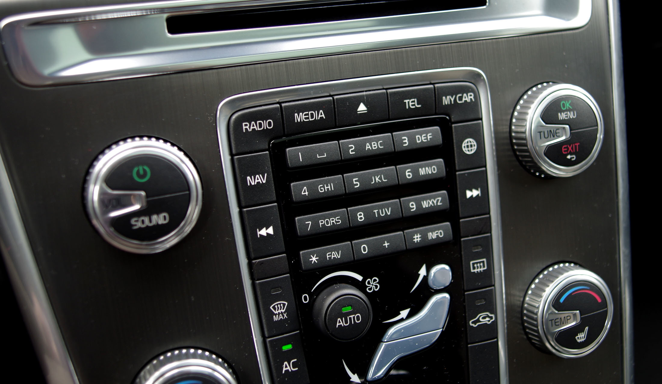 Volvo XC60 text entry