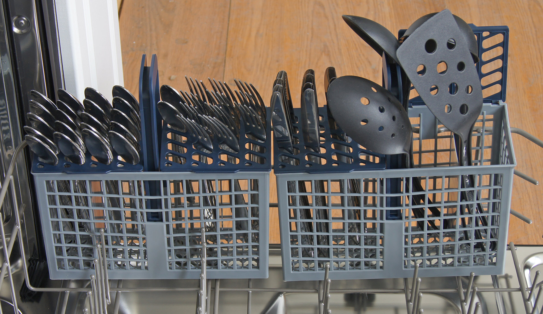 Samsung DW80F600UTS cutlery basket loaded with silverware