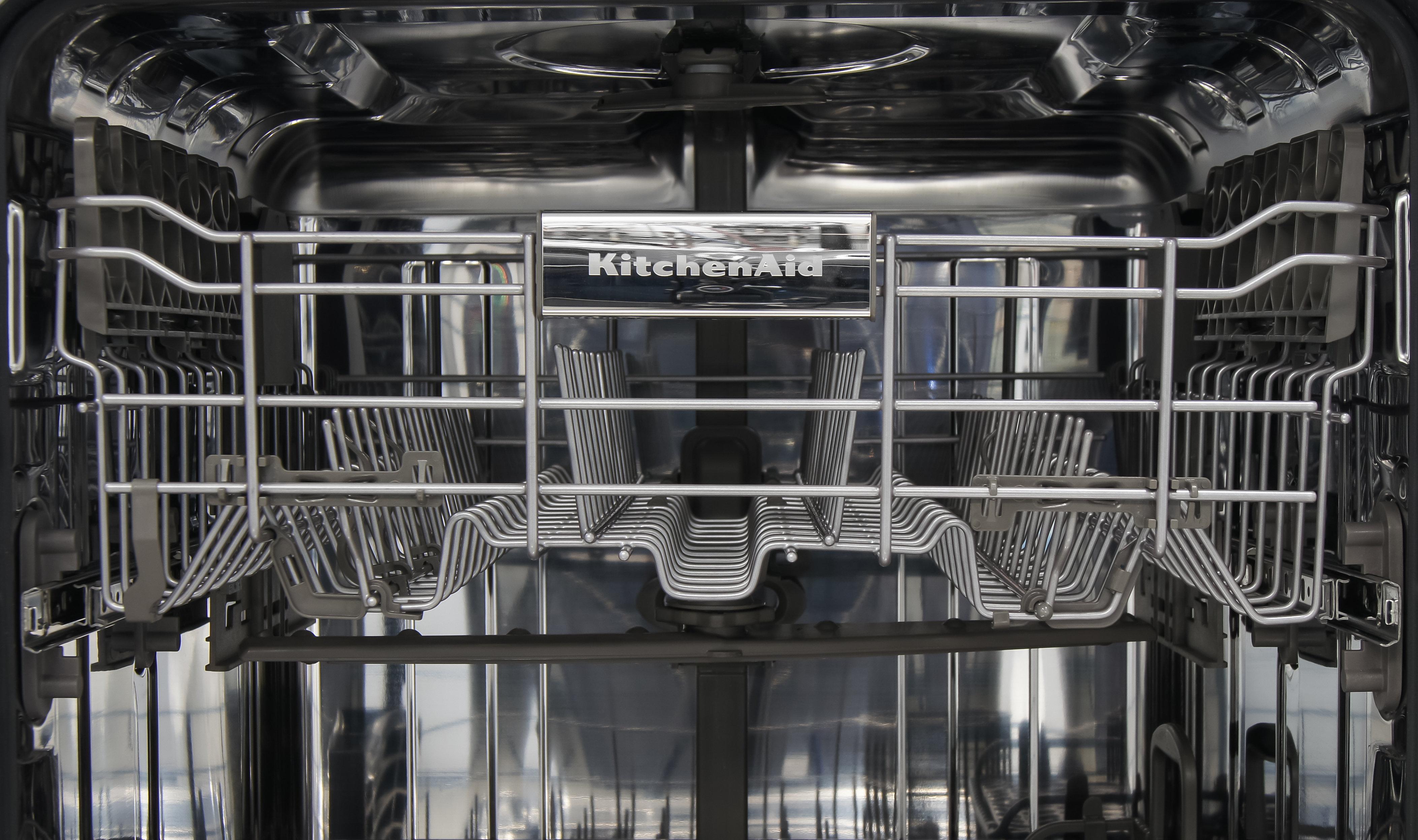 KitchenAid KDTM354DSS top rack closeup