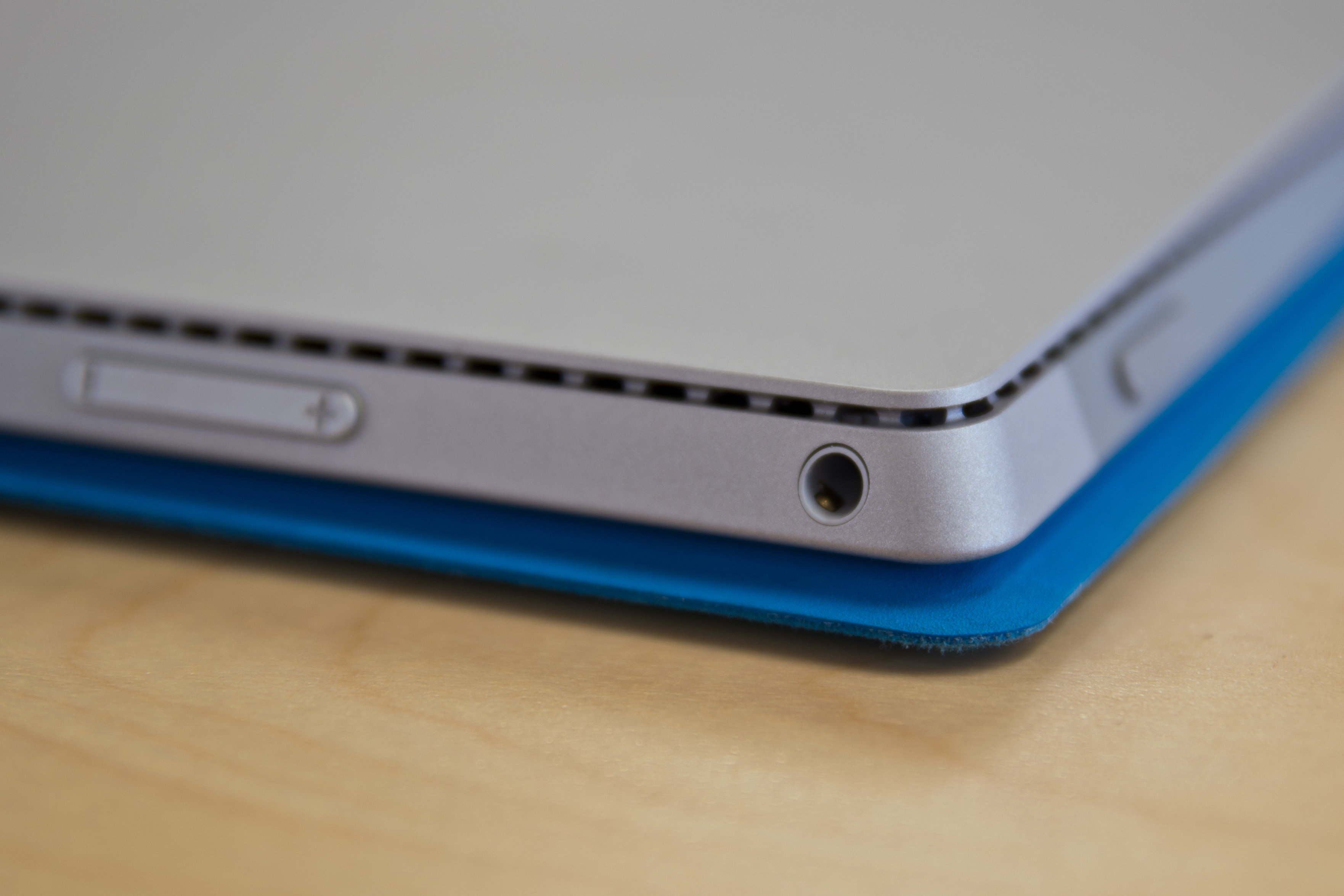 A closer look at the Microsoft Surface Pro 3's headphone jack.