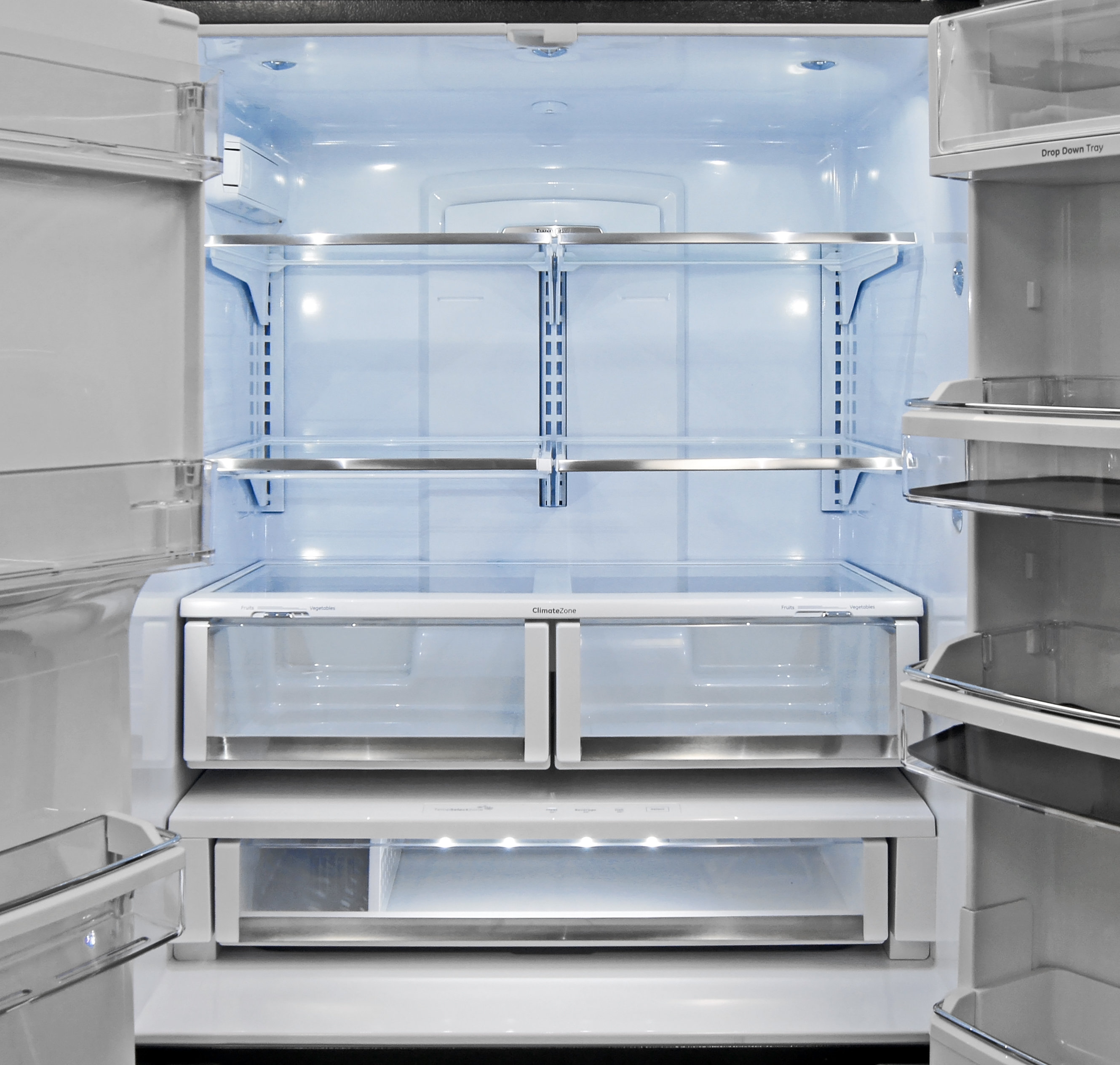 The GE Cafe CFE28TSHSS's fridge interior is well lit and highly accessible.