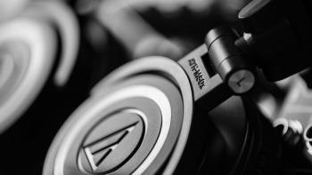 1242911077001 4822074960001 audio technica ath m50x review design hero