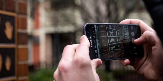 Samsung Galaxy S7 Camera In Use
