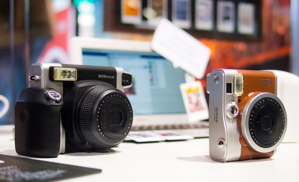 Fujifilm Instax Wide 300 – Booth Display