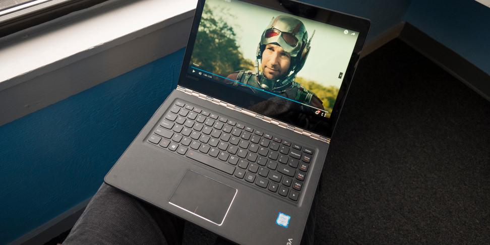 Lenovo Yoga 900 on a lap