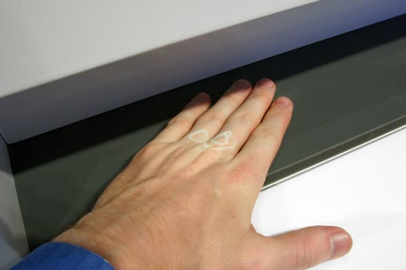 Bosch-Dishwasher-Projection-with-Hand.jpg