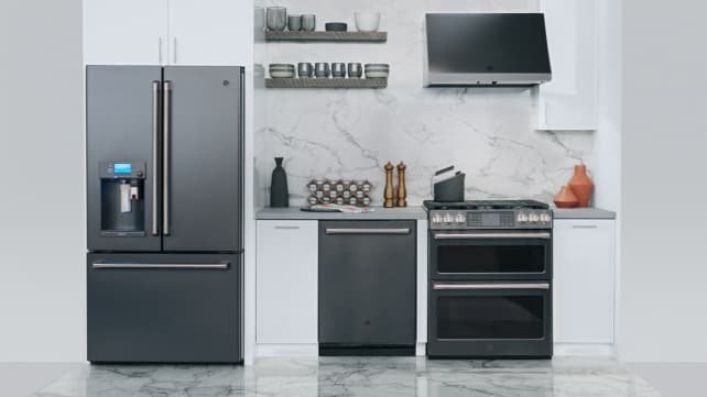 Slate-appliances-in-white-kitchen
