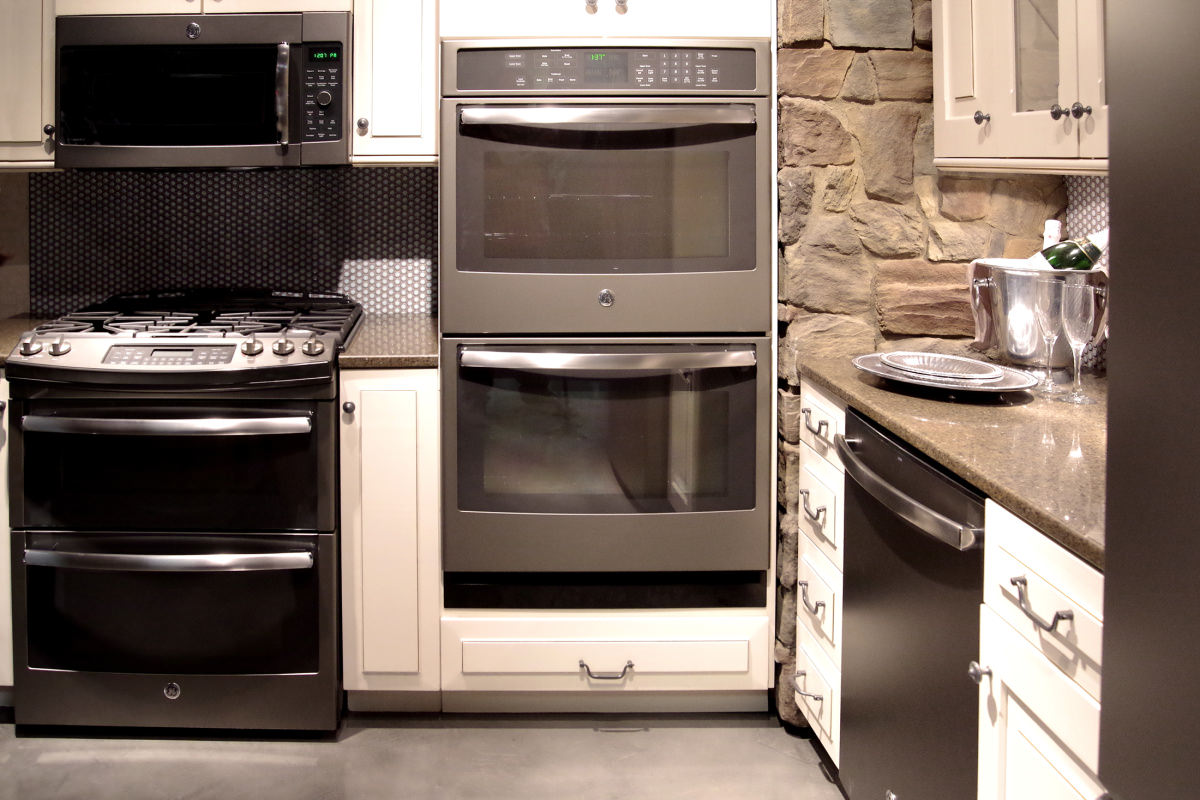 GEu0027s Slate Lineup Adds Built In Cooking, Including A Wall Oven, Cooktop,  And Over The Range Convection Microwave.