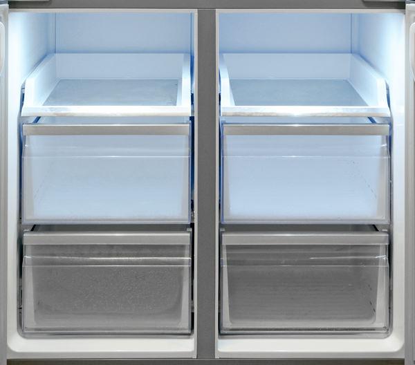 Samsung-RF32FMQDBSR-freezer.jpg