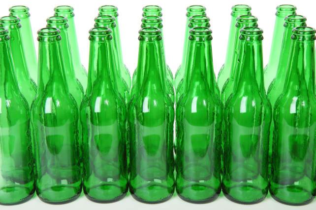 brown bottles and tall tales 7 myths about storing beer refrigerators. Black Bedroom Furniture Sets. Home Design Ideas