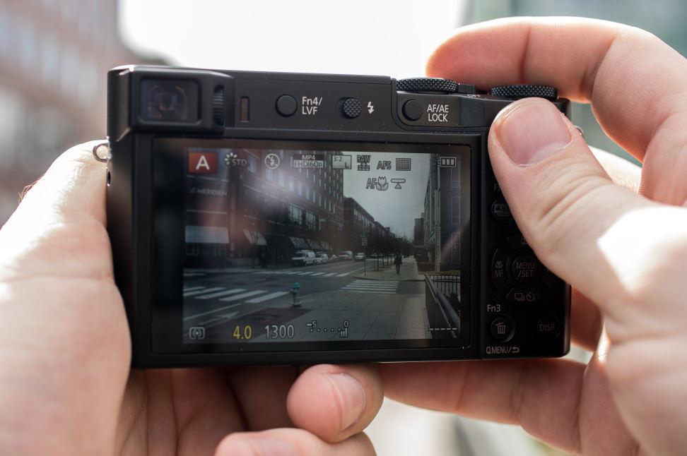Panasonic Lumix ZS100 Handheld