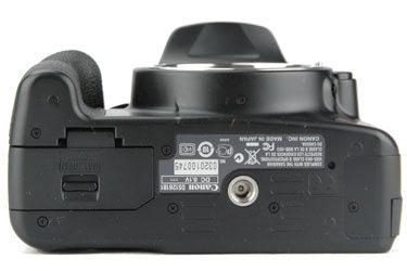 Canon_xsi_bottom_375.jpg