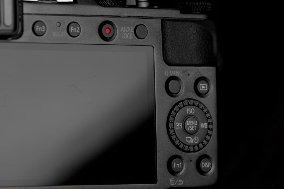 panasonic-lumix-lx1000-review-design-back.jpg