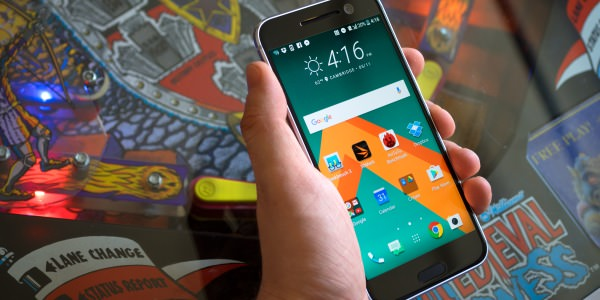 HTC tries to tilt the smartphone game in its favor