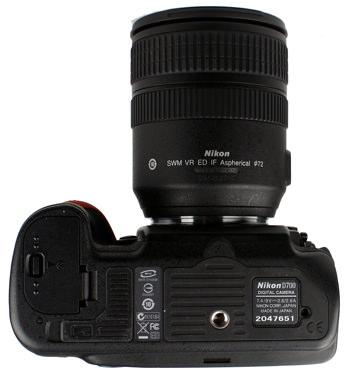 Nikon-D700-bottom-375.jpg