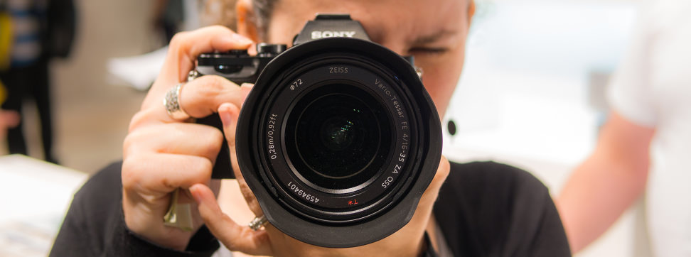 sony 16 35 f4. everything you\u0027d expect from a zeiss-branded sony lens 16 35 f4