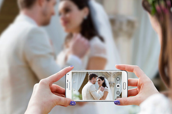 GALAXY-S5-WEDDING.jpg