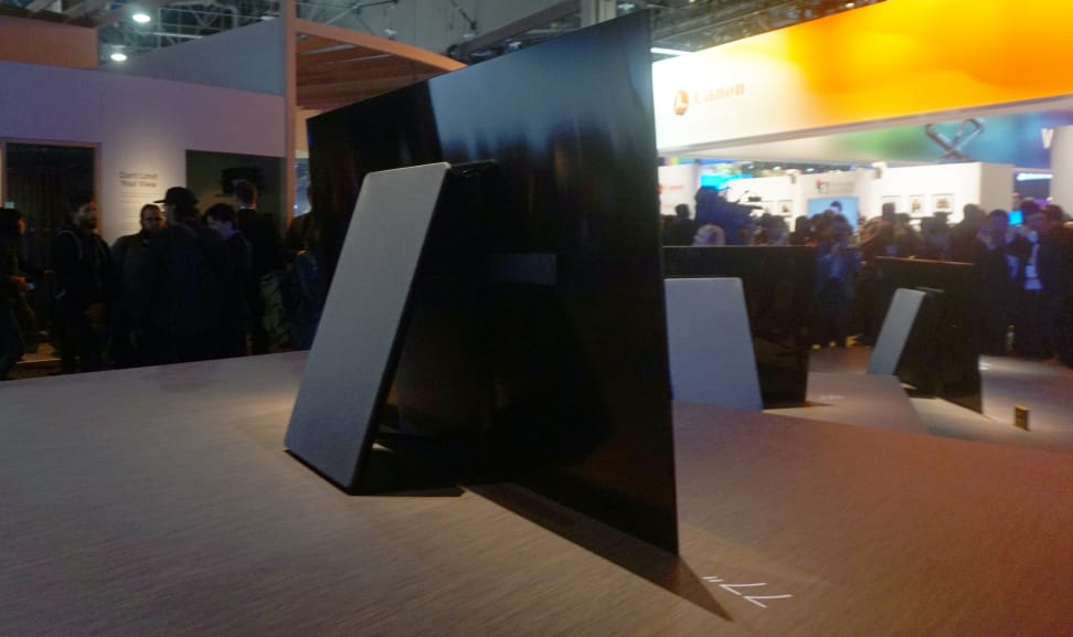 Sony-OLED-body-3