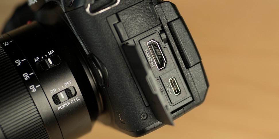 Panasonic Lumix GH5 Ports