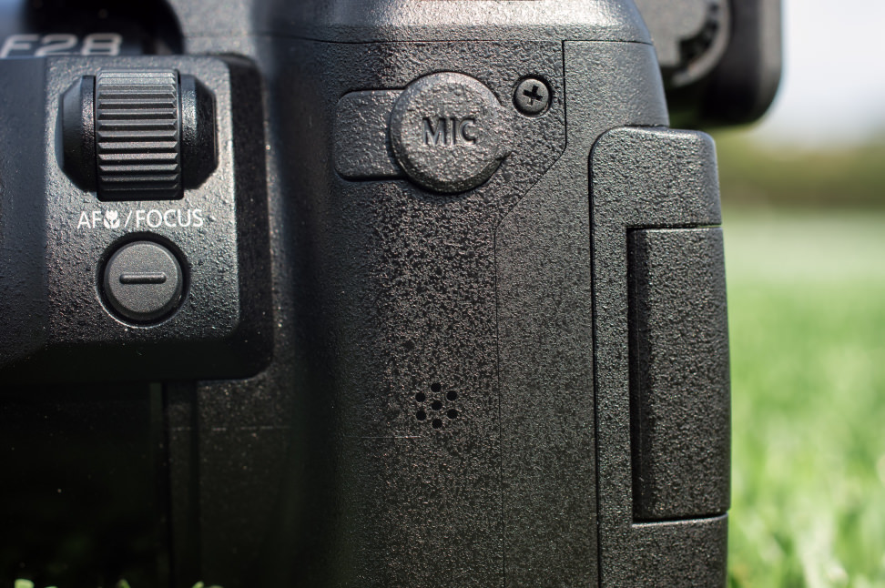 Panasonic Lumix DMC-FZ300 Mic Jack