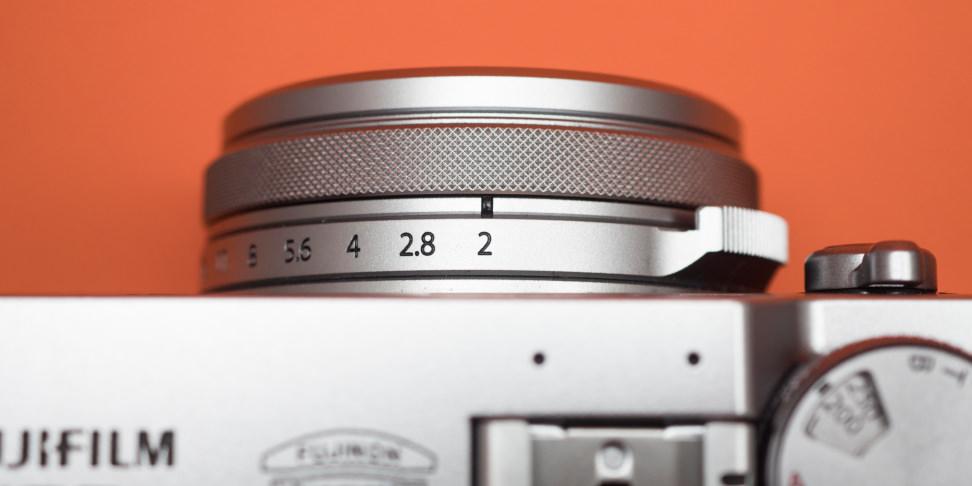 Fujifilm X100F Lens