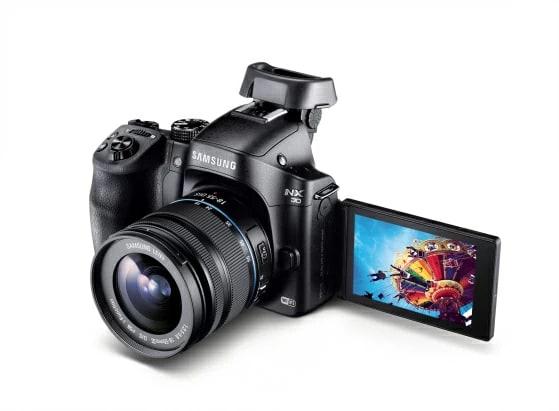 NX30 and 18-55mm 1.jpg