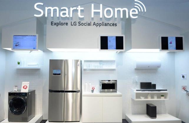 LG Smart Home IFA 20141.jpg