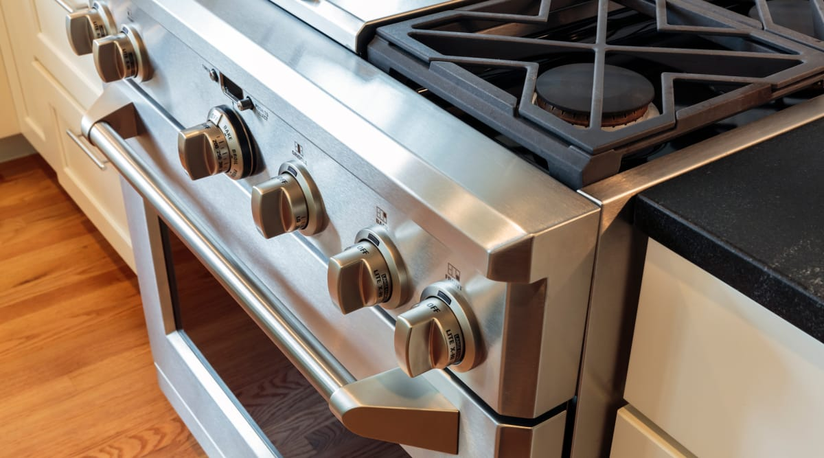 The Best Gas Ranges Of 2018 Reviewed Com Ovens