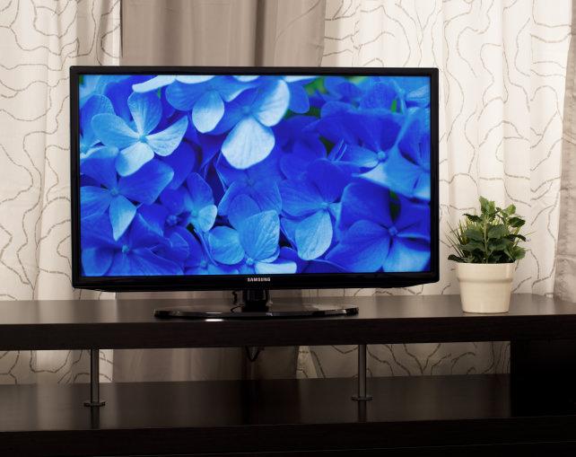 Samsung-UN32H5203-Front.jpg