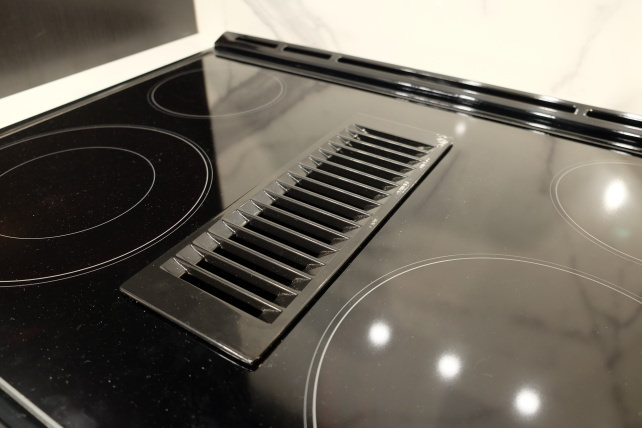 Jenn Air S Downdraft Ranges Go Duct Free Reviewed Com Ovens