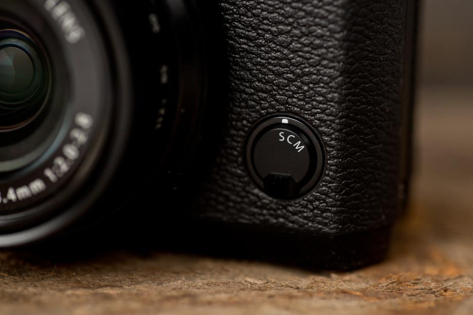 fuji-x30-review-design-focus.jpg