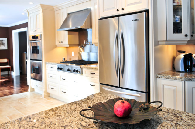 What is the difference between a regular refrigerator and a ...
